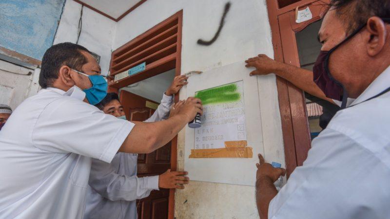 Serentak Pemasangan Label Pada Rumah KPM Dipimpin Wali Kota Padangsidimpuan