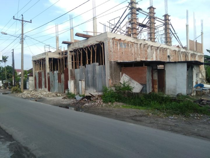 Bangunan Ruko Kos-Kosan Bertingkat Diduga Tidak Sesuai IMB Terletak di Jalan Perkutut Disoal Warga