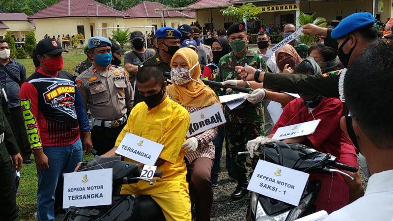 Polres Tapteng Gelar Rekontruksi Pembuhuhan Istri Oknum TNI