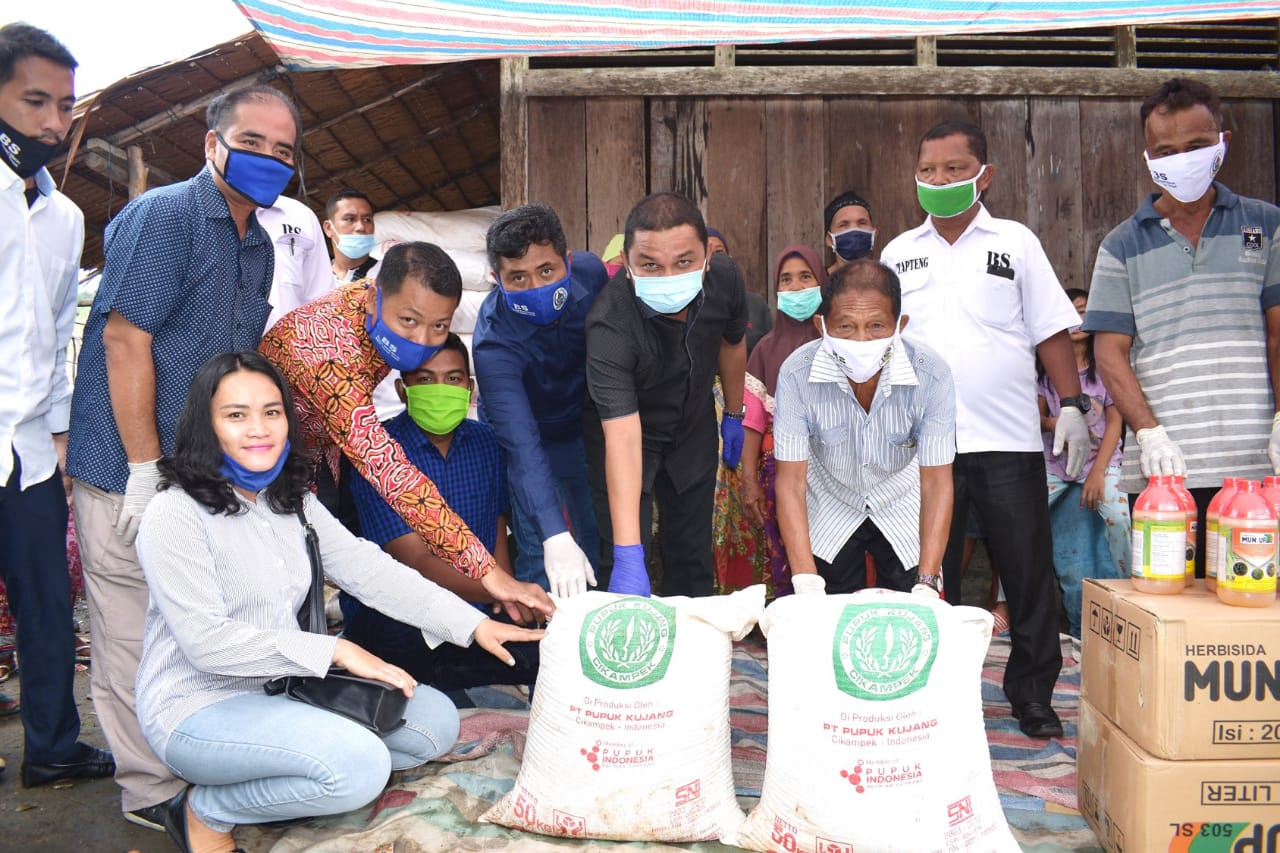 Bupati Tapteng Salurkan Bantuan Kementrian Pertanian Ke 55 Kelompok Tani Poktan Tapteng