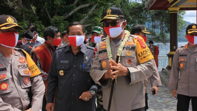 Bupati Samosir, Apresiasi Kapoldasu Tanam Bibit Jagung di Samosir