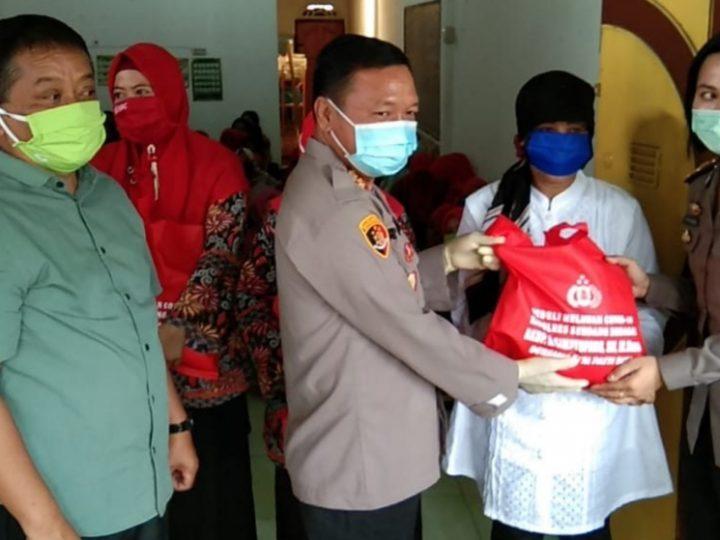 Siti Rahma Salah Satu Guru TK Sangat Terharu Ketika di Kunjungi Kapolres Sergai