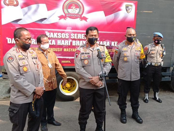 Kapolda Metro Jaya Berikan Bantuan di Asrama Polri Petamburan