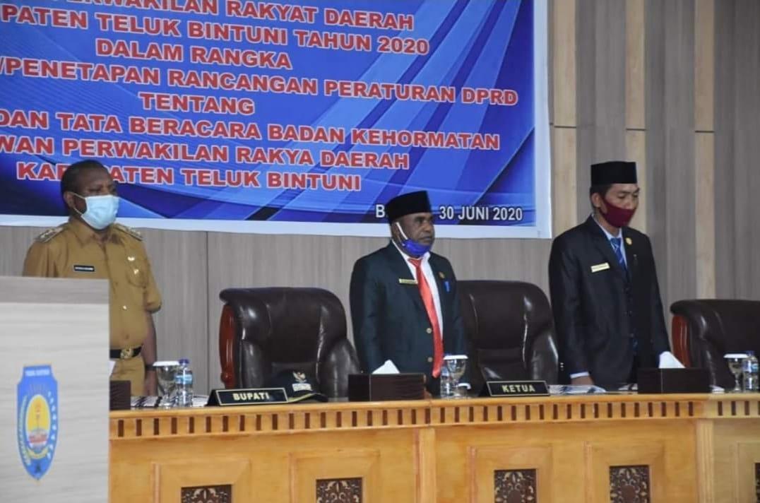 Bupati Bintuni Apresiasi Tinggi Terhadap Para Anggota DPRD Yang Telah Mengesahkan 2 Produk Hukum Daerah