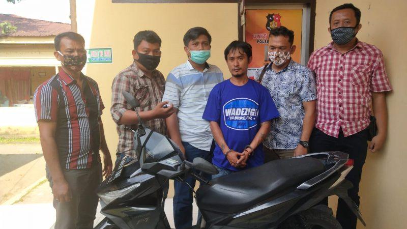 Curi Sepeda Motor Pakai Kunci T, Pria Ini Gugup Saat Ditangkap