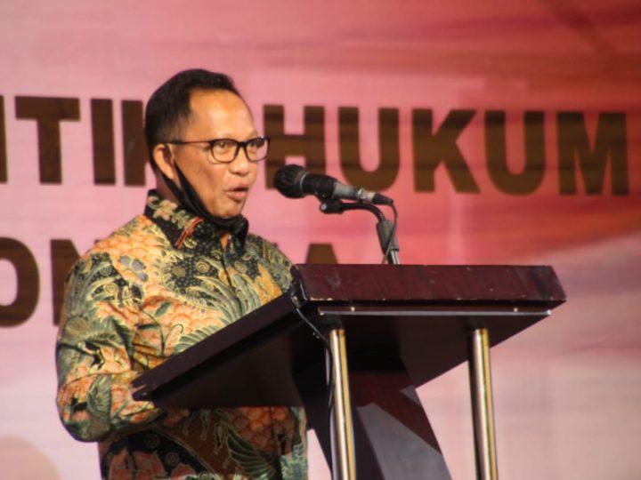 Walikota Siantar Hadiri Rapat Bahas Kesiapan Pilkada Bersama Mendagri dan Menko Polhukam RI di Medan