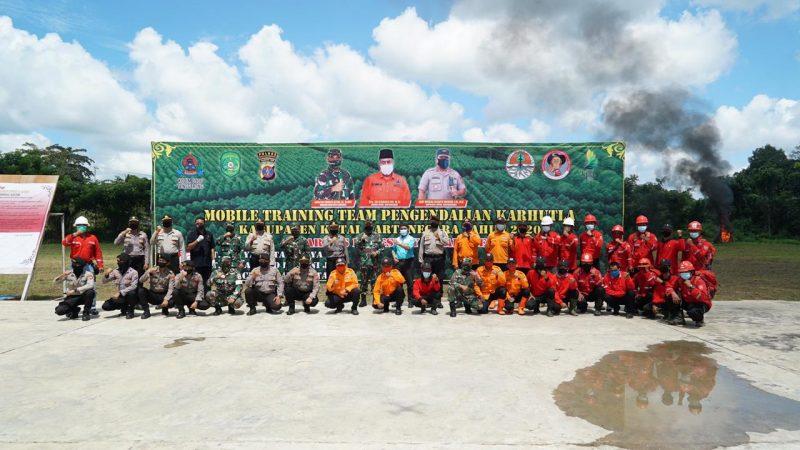 Polres Kukar Apel Gabungan Dalam Rangka Kegiatan Mobile Training Team Pengendalian Karhutla