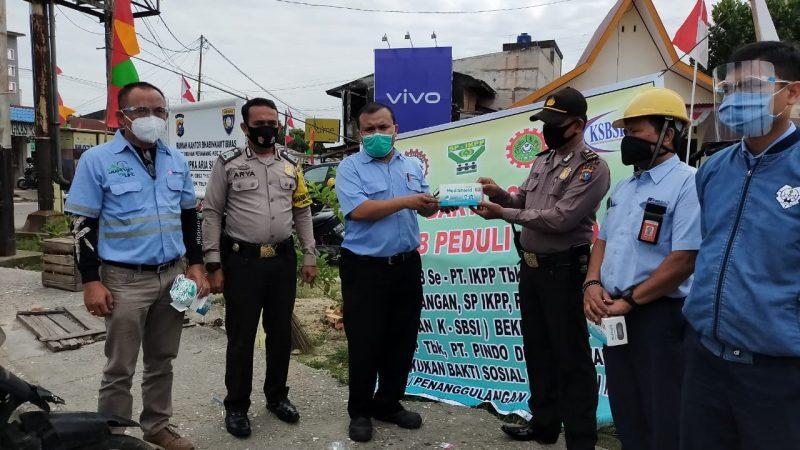 Serikat Buruh Pekerja PT IKPP Gelar Bakti Sosial Bagi Masker