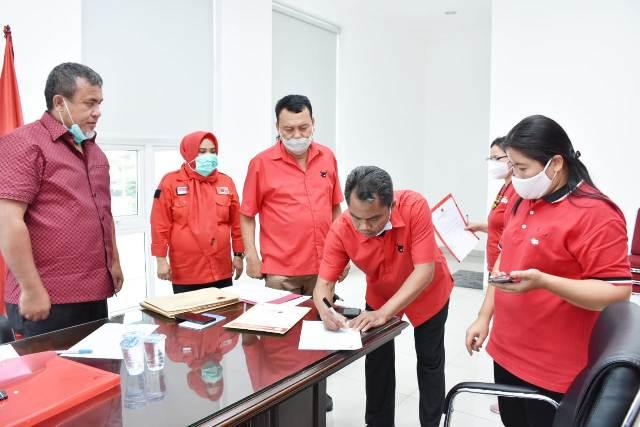 DPP PDIP Serahkan Dukungan B1-KWK Pada Pasangan 'Dambaan', Delpin Barus ST : Kader Tidak Patuh Akan Dipecat
