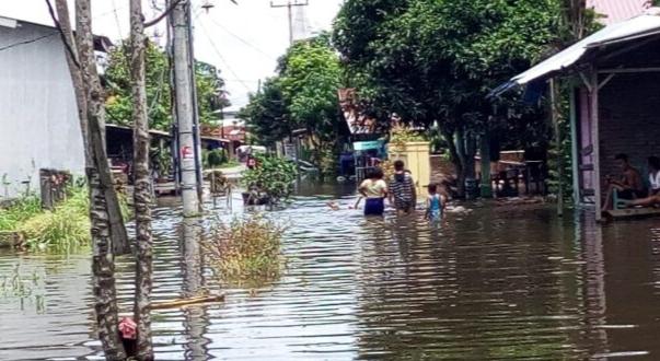 Akibat Hujan Tiga Malam, Ratusan Rumah Warga Desa Sei Rampah Terendam Banjir