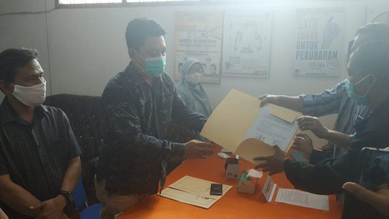 Hari terakhir Bapaslon Bobby-Aulia dan Akhyar Salman Lengkapi Berkas