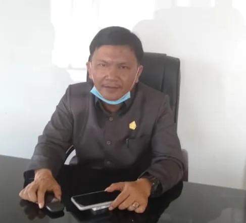 Ketua Komisi I DPRD Samosir:Penyaluran Bansos Pendidikan Rp1.7 M Sebagai Pencitraan Disdik