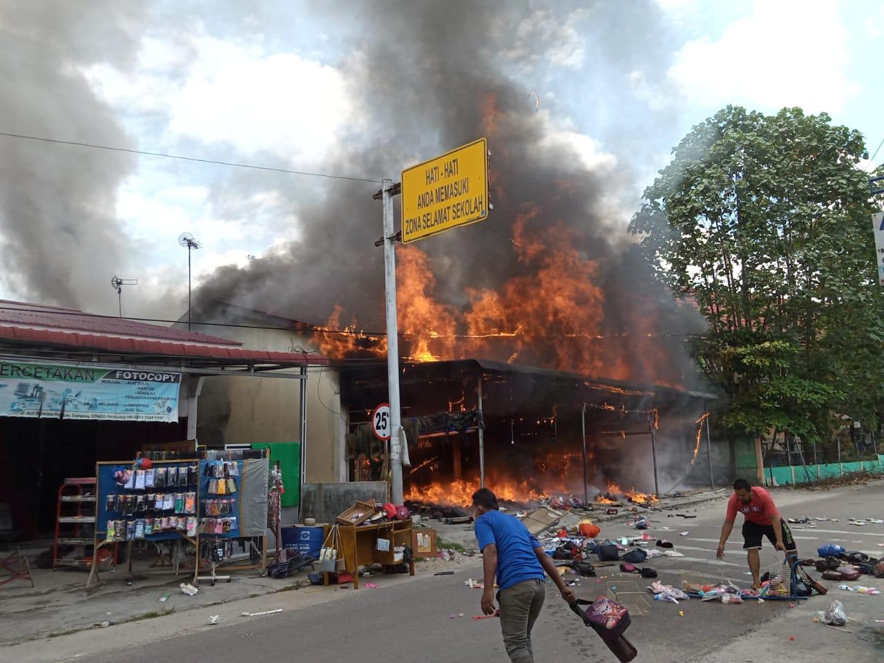 Kebakaran Hebat, Tujuh Rumah Hangus Dilalap Si Jago Merah