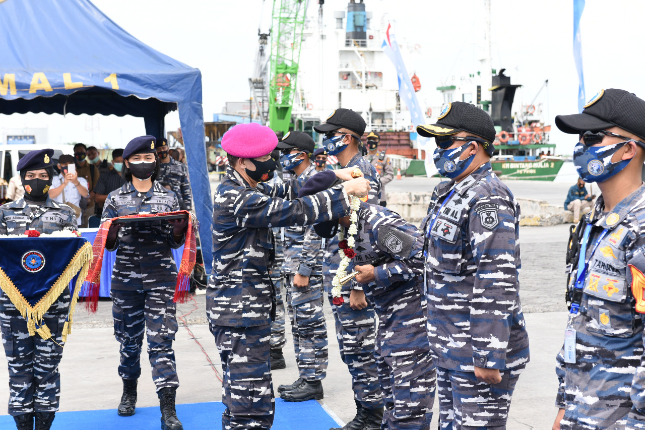Danlantamal I Sambut Kapal Latih Taruna AAL KRI Bima Suci Dalam Rangka Operasi Kartika Jala Krida (KJK) Di Dermaga Pelindo Belawan