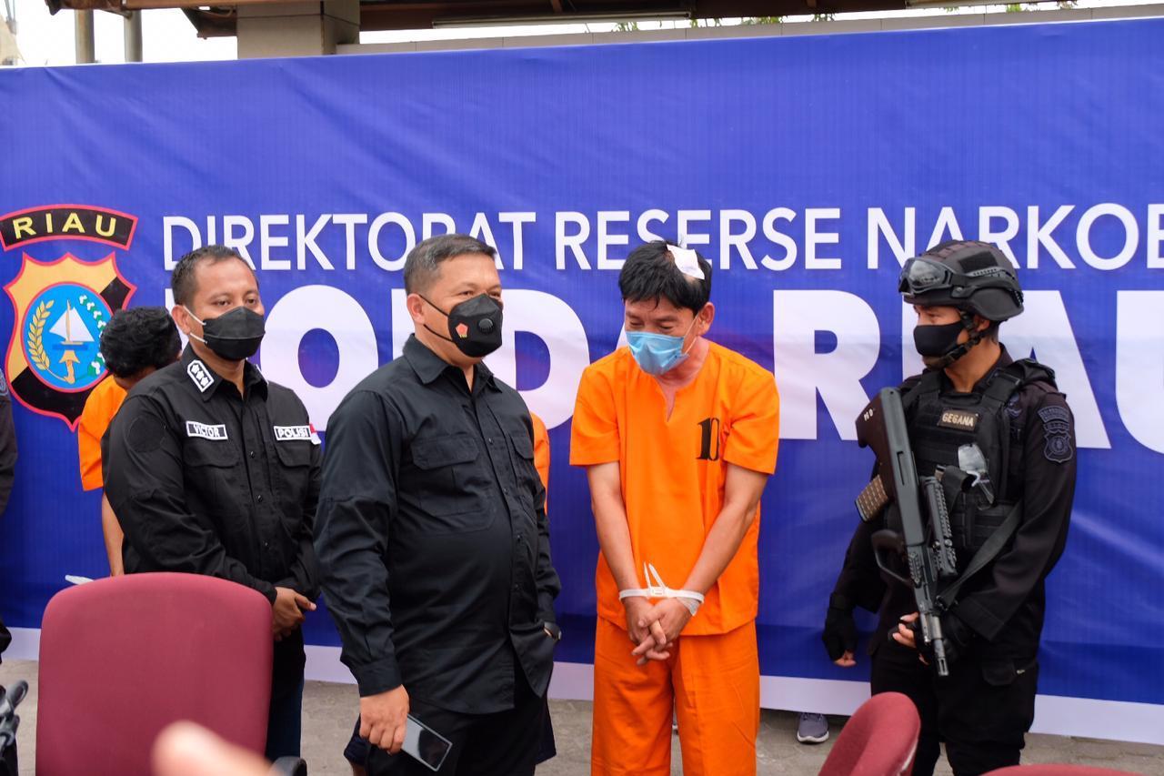 Kapolda Riau : Agresif Dan Lebih Tegas Berantas Narkoba, Polda Riau Kembali Berhasil Ungkap 36 Kg Sabu Dan Amankan 5 Tersangka