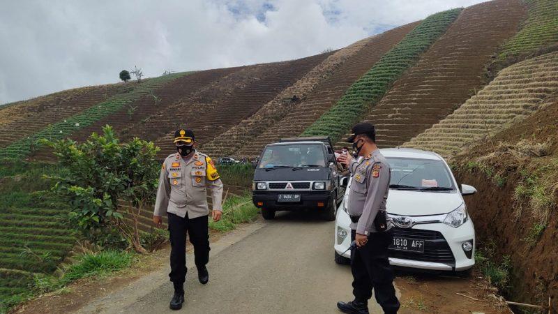 Wakapolsek Majalengka Bersama Kapolsek Argapura Bersama Anggota Patroli Pengamanan di Tempat Wisata