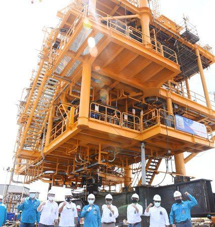 PGN SAKA Load Out Top Side Platform Lapangan Sidayu