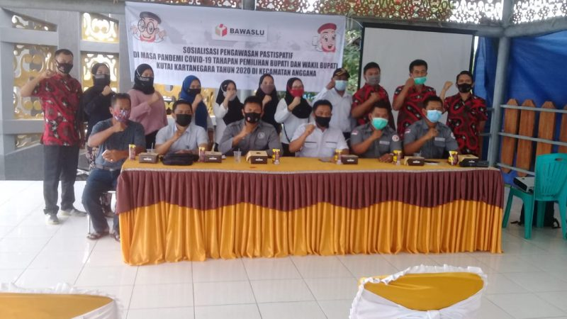 Ipda Nurman Syarip Menghadiri Sosialisasi Partisipatif Masyarakat pada Pemilihan Bupati dan Wakil Bupati Kutai Kartanegara