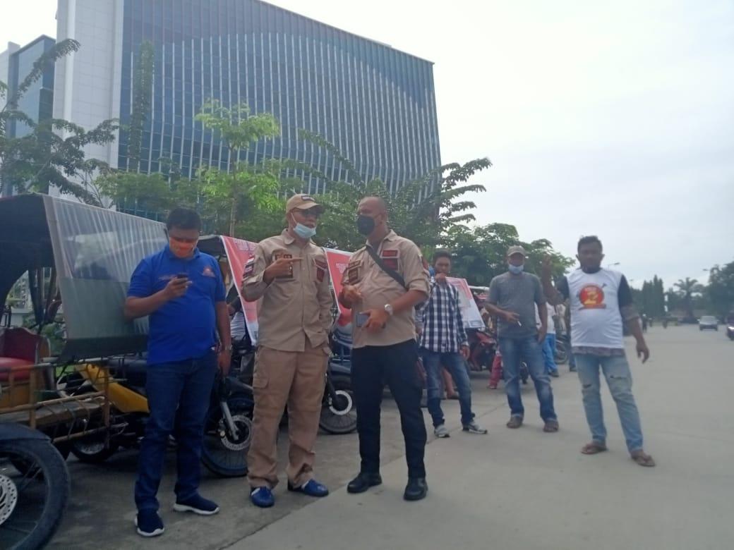 Abang Becak Motor Dan Tulkang Ojek Ikut Konvoi Dukung Bobby-Aulia Paslon No Urut 2