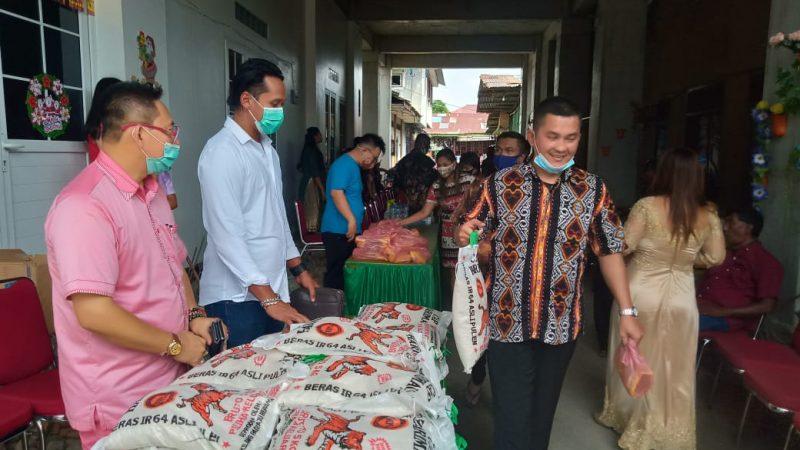 TMP Medan dan Gemabudhi Sumut Bagikan 50 Paket Natal