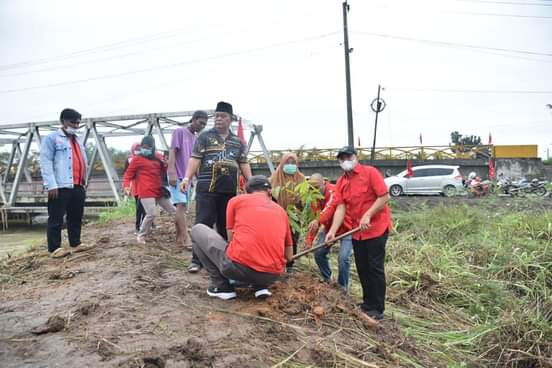 HUT PDIP Ke-48, DPC Batu Bara Merayakan Dirangkai Dengan Penanaman Pohon dan Pembagian 48 Nasi Tumpeng