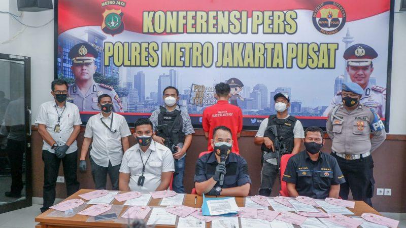 Polres Metro Jakarta Pusat Menangkap Seorang Pelaku Penjual Surat Rapid Swab Antigen Palsu