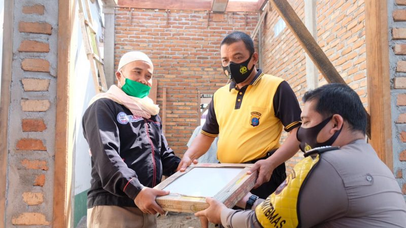 Kapolres Tanjungbalai Beri Bantuan Semen 15 Zak Dan 30 Kotak Kramik Ke PAUD MDA