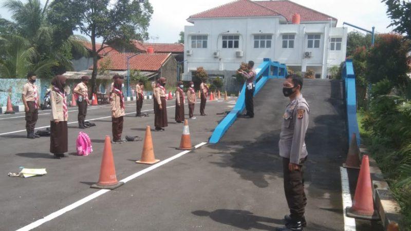 Unit Binmas Polres Majalengka Bersama Unit Dikyasa lantas Polres Majalengka Memberikan Penyuluhan Kepada Saka Bhayangkara