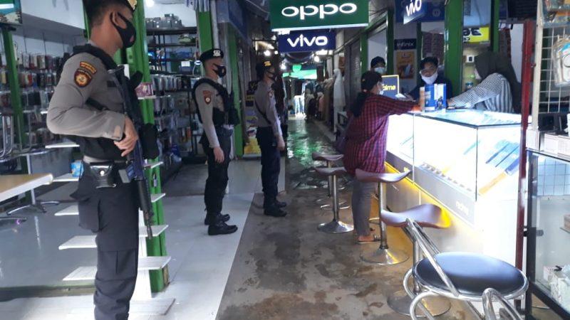 Satsabhara Unit Turjawali Polres Kukar Melaksanakan Patroli Sekaligus Memberikan Himbauan Protokol Kesehatan Terkait Pandemi Covid 19
