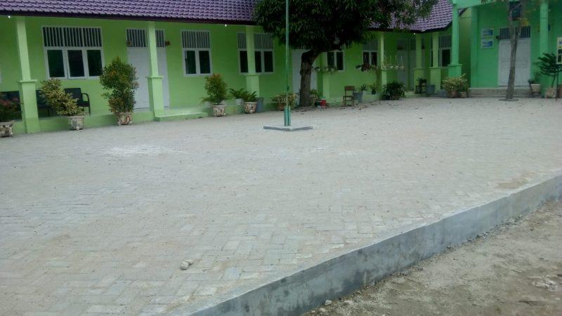 Pekerjaan Pemasangan Paving Block di SDN 12 Kota Langsa Asal Jadi