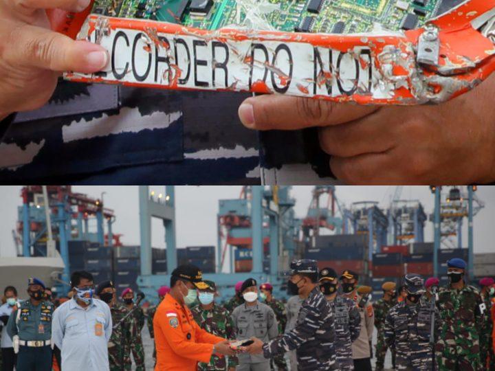 Hari Kesembilan Pencarian SJ 182, Tim SAR Gabungan TNI–AL Serahakan Temuan